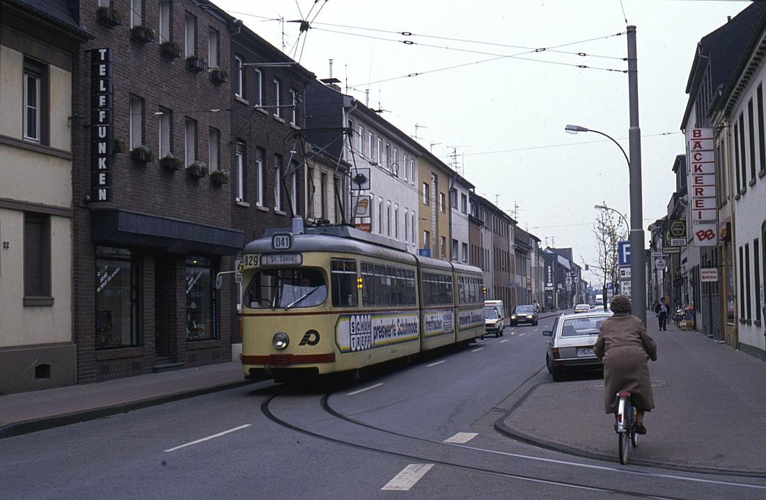 http://www.onkel-wom.de/bilder/straba_krefeld/straba_kr_01-104.jpg