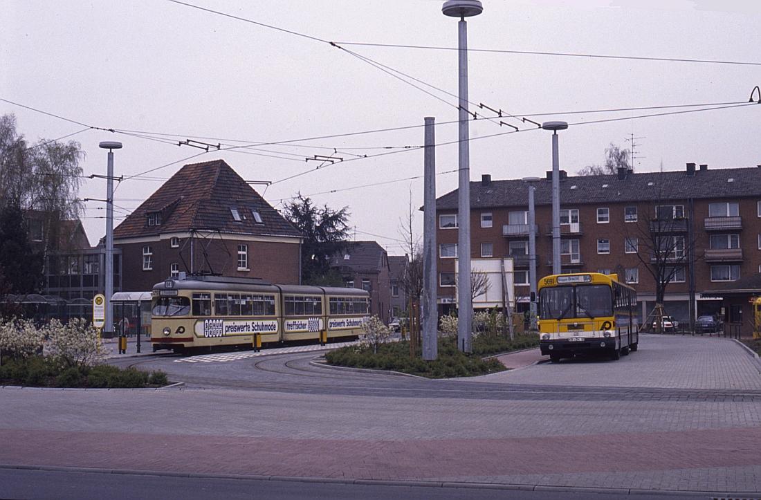 http://www.onkel-wom.de/bilder/straba_krefeld/straba_kr_01-106.jpg
