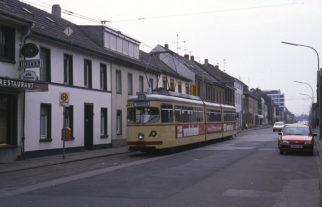 http://www.onkel-wom.de/bilder/straba_krefeld/straba_kr_01-109.jpg