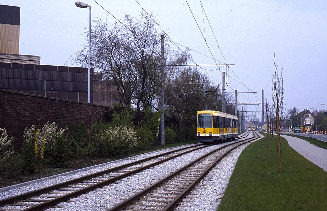 http://www.onkel-wom.de/bilder/straba_krefeld/straba_kr_01-114.jpg