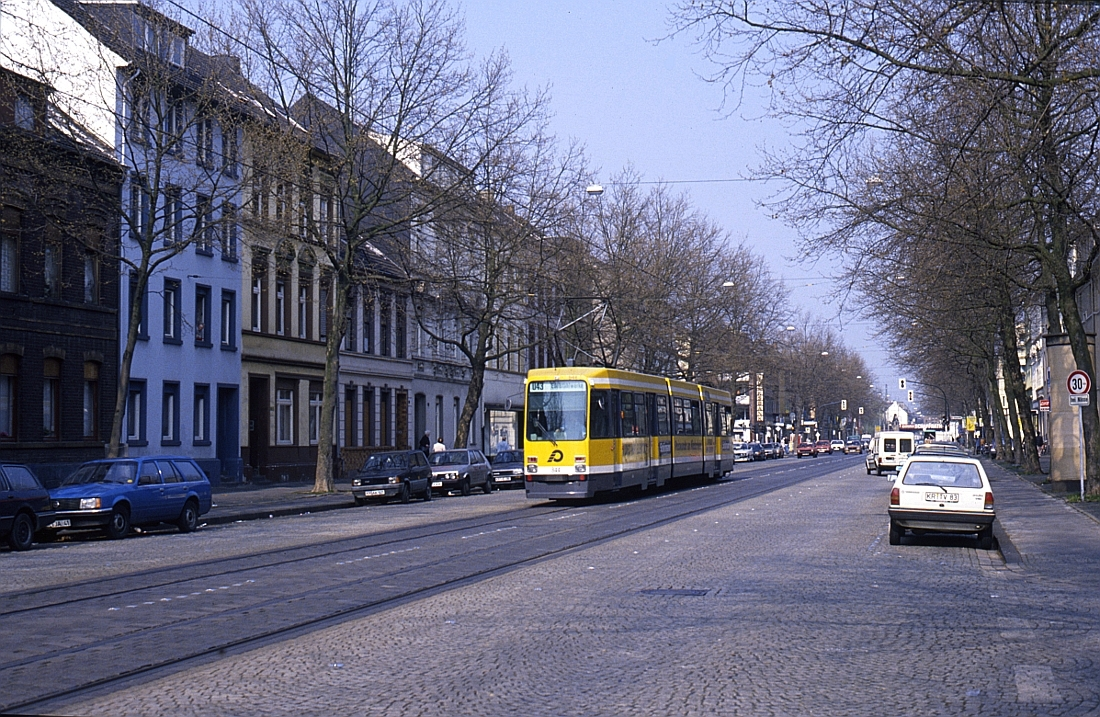 http://www.onkel-wom.de/bilder/straba_krefeld/straba_kr_01-116.jpg