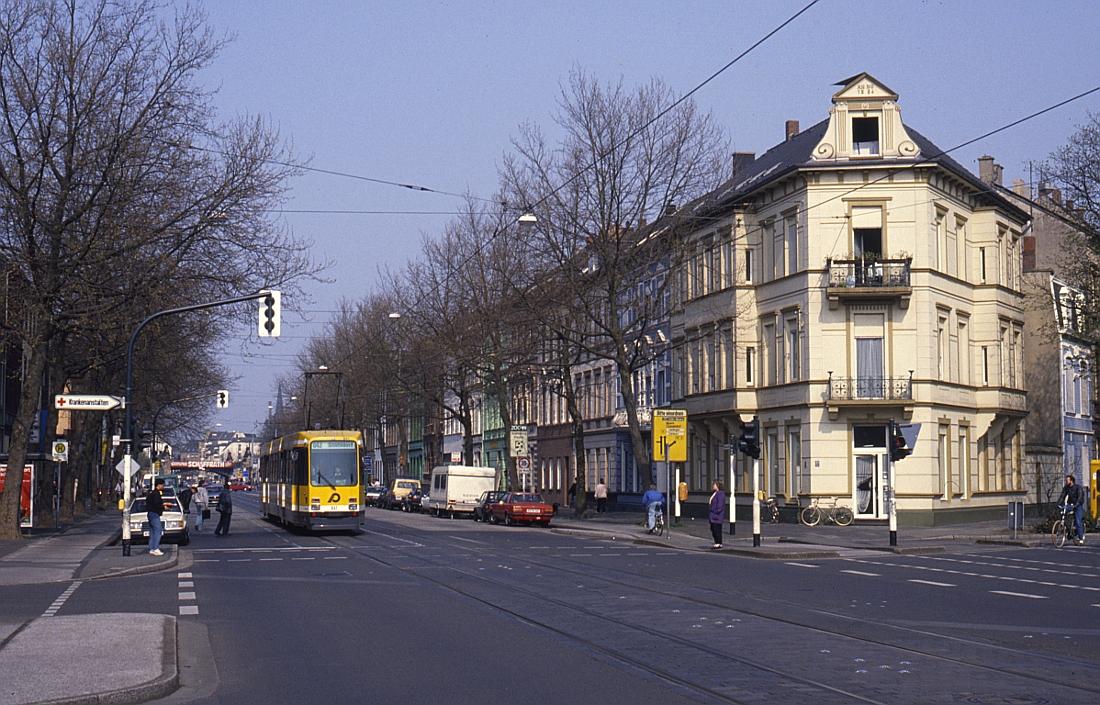 http://www.onkel-wom.de/bilder/straba_krefeld/straba_kr_01-117.jpg
