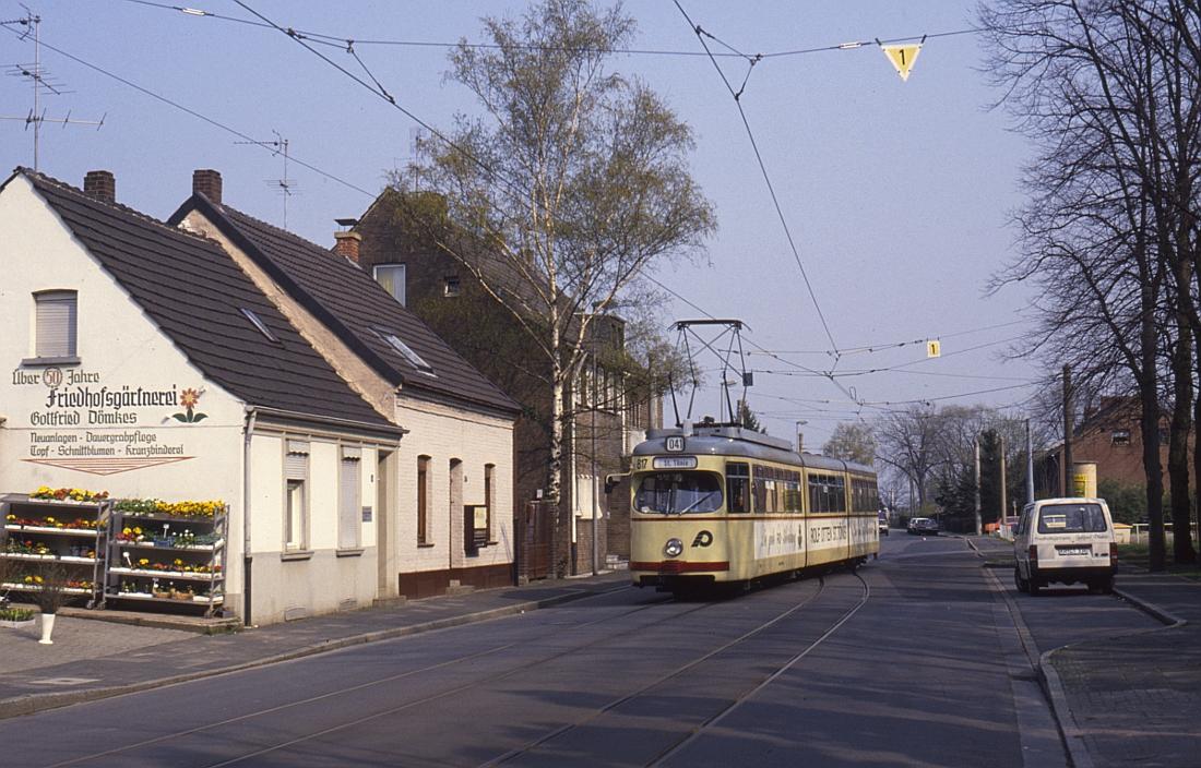 http://www.onkel-wom.de/bilder/straba_krefeld/straba_kr_01-120.jpg