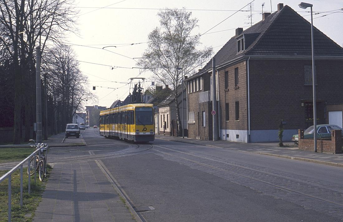 http://www.onkel-wom.de/bilder/straba_krefeld/straba_kr_01-121.jpg