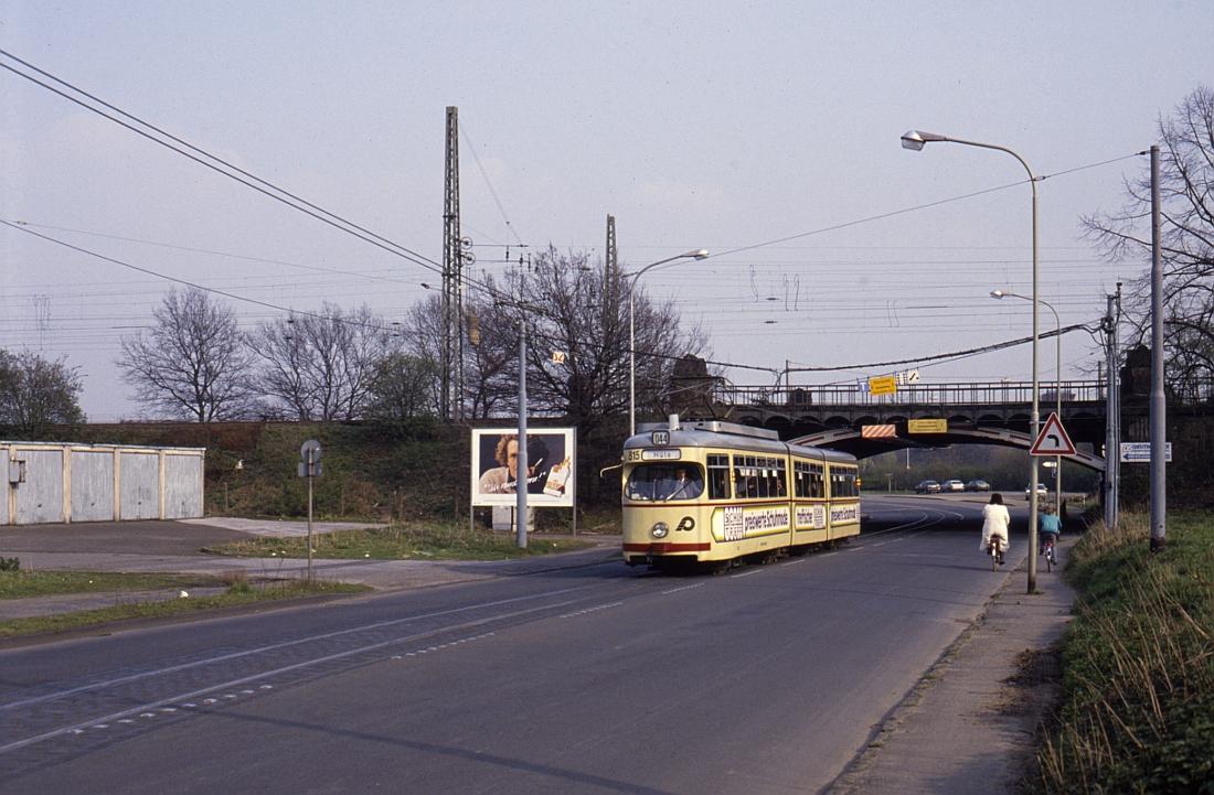 http://www.onkel-wom.de/bilder/straba_krefeld/straba_kr_01-122.jpg