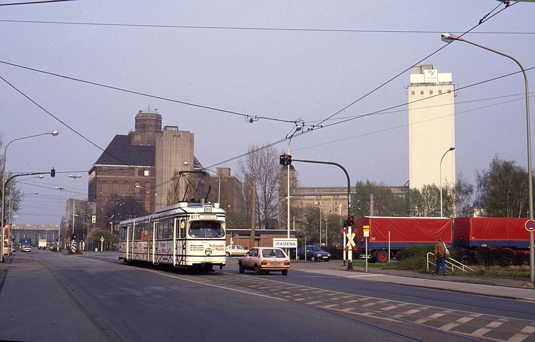 http://www.onkel-wom.de/bilder/straba_krefeld/straba_kr_01-123.jpg