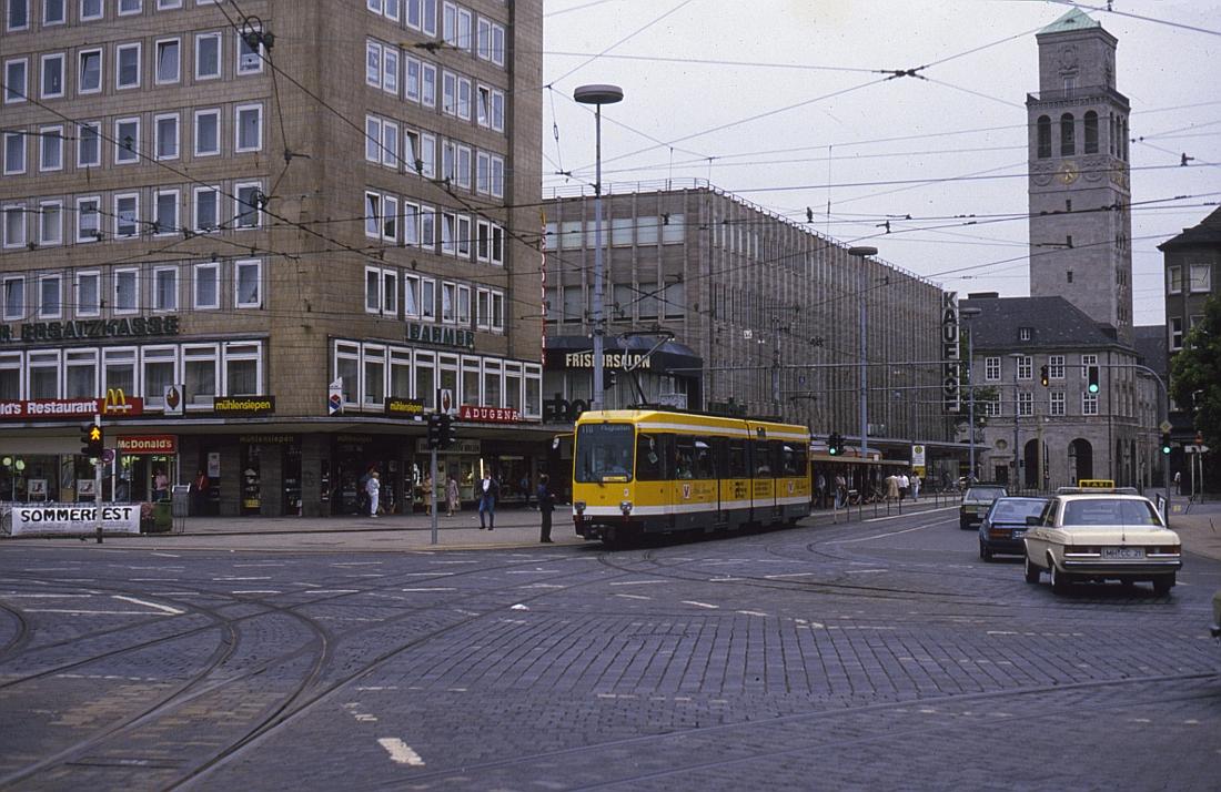 http://www.onkel-wom.de/bilder/straba_muelheim/straba_mh_02-101.jpg
