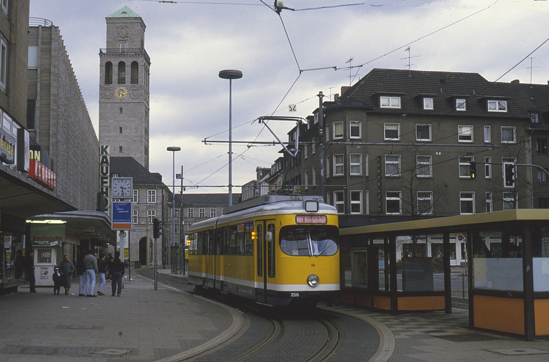 http://www.onkel-wom.de/bilder/straba_muelheim/straba_mh_02-104.jpg