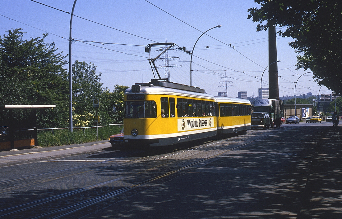 http://www.onkel-wom.de/bilder/straba_muelheim/straba_mh_02-109.jpg
