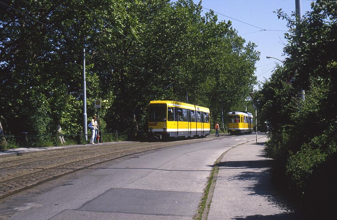http://www.onkel-wom.de/bilder/straba_muelheim/straba_mh_02-110.jpg