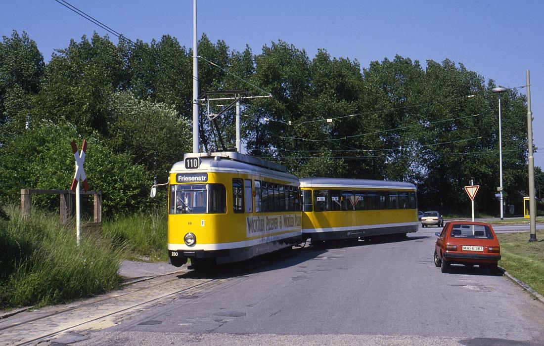 http://www.onkel-wom.de/bilder/straba_muelheim/straba_mh_02-113.jpg