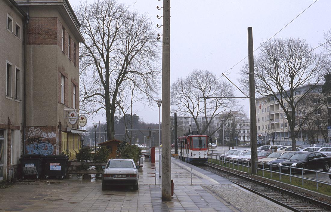 http://www.onkel-wom.de/bilder/straba_strausberg/straba_srb_02-106.jpg