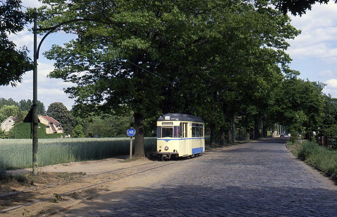 http://www.onkel-wom.de/bilder/straba_woltersdorf/straba_wol_04-108.jpg