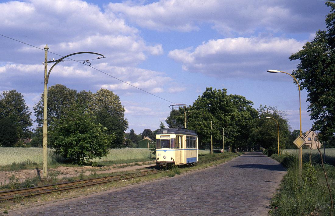 http://www.onkel-wom.de/bilder/straba_woltersdorf/straba_wol_04-110.jpg
