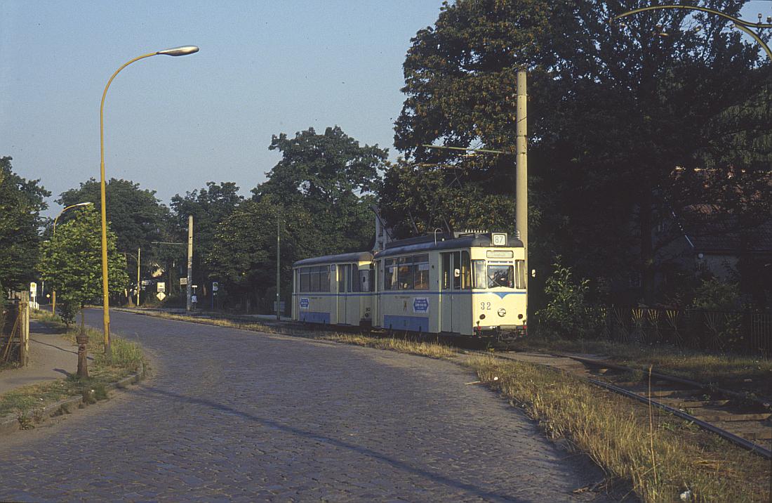 http://www.onkel-wom.de/bilder/straba_woltersdorf/straba_wol_04-115.jpg