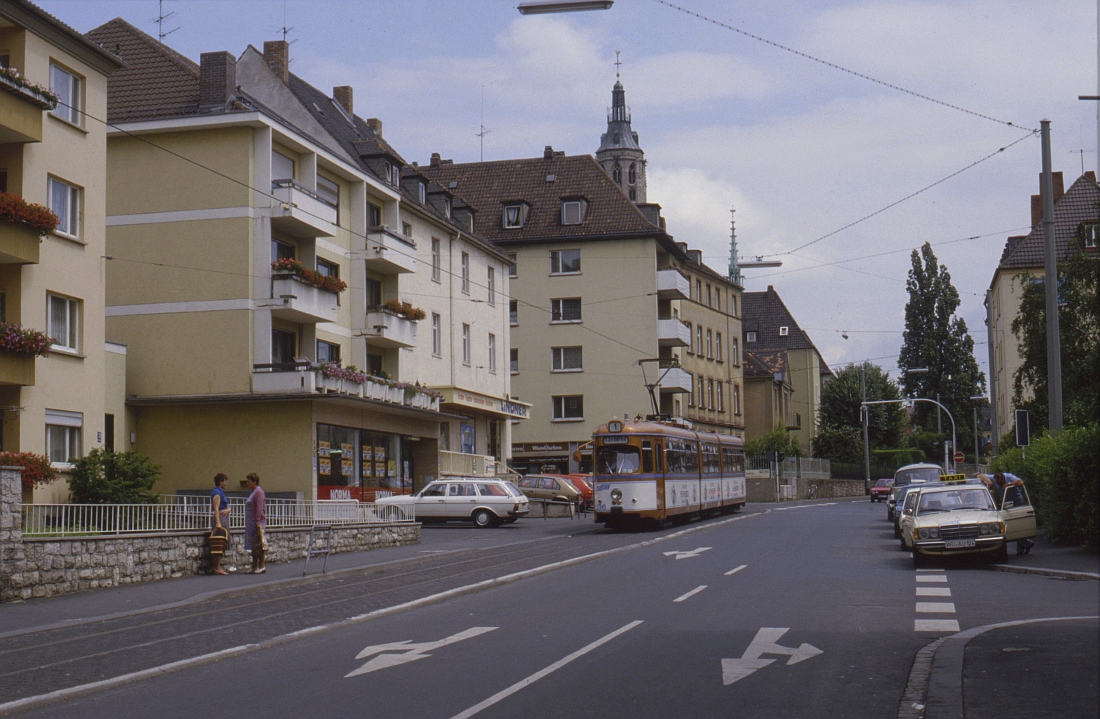 http://www.onkel-wom.de/bilder/straba_wuerzburg/wue_01-112.jpeg