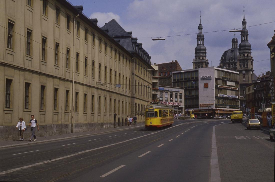 http://www.onkel-wom.de/bilder/straba_wuerzburg/wue_01-116.jpeg