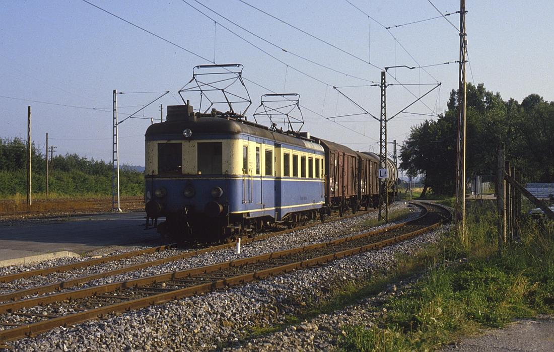 http://www.onkel-wom.de/bilder/te_trossinger-eisenbahn/te_01-102.jpg