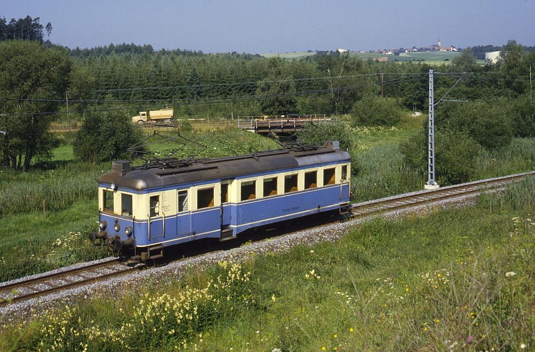 http://www.onkel-wom.de/bilder/te_trossinger-eisenbahn/te_01-105.jpg