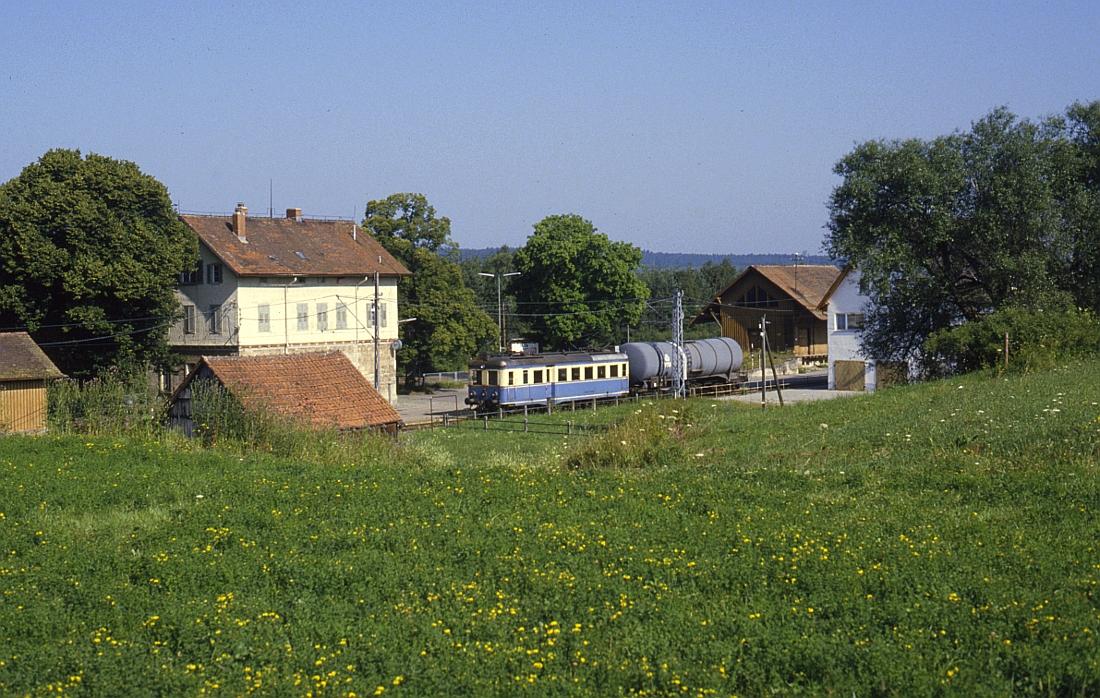 http://www.onkel-wom.de/bilder/te_trossinger-eisenbahn/te_01-106.jpg