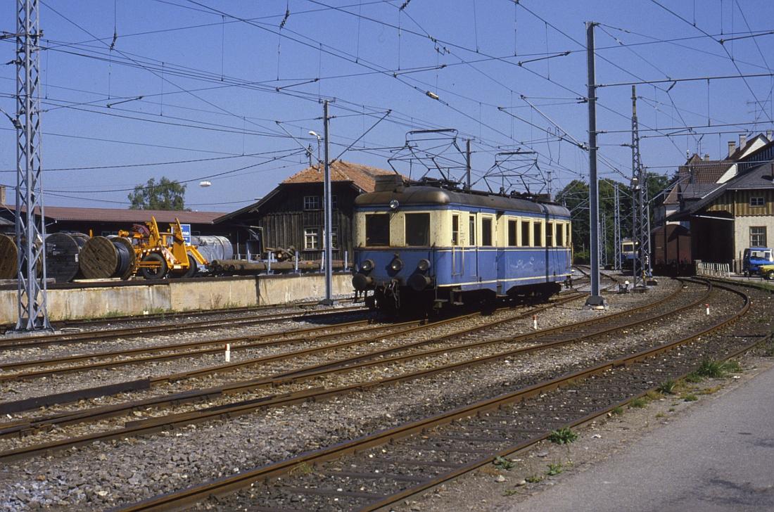 http://www.onkel-wom.de/bilder/te_trossinger-eisenbahn/te_01-110.jpg